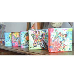 mini schilderijtjes vrolijke kleurrijke dieren mixed media janet edens sfeerfoto